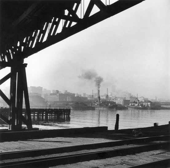 Pyrmont Bridge and Darling Harbour – 1947