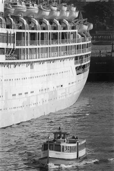 Ferry Evelyn Star and liner, Circular Quay – 1961