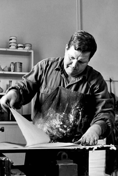 Fred Williams pulling an etching, Hawthorne, Victoria – 1969