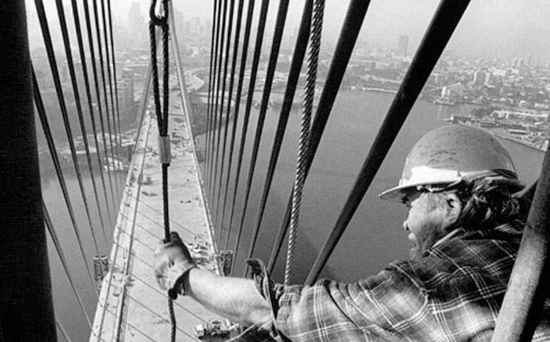 DAVID MOORE ANZAC BRIDGE