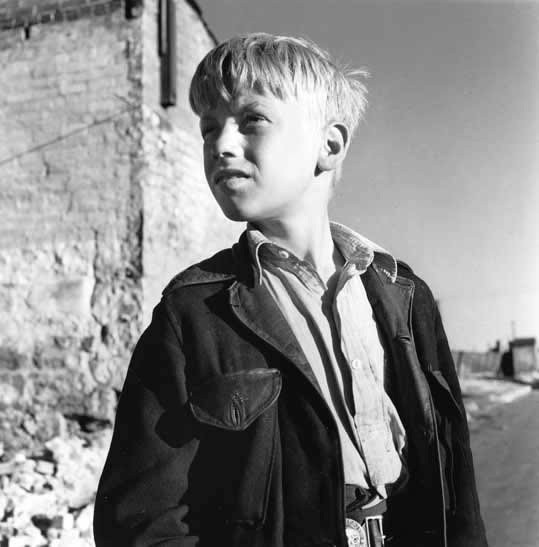 Surry Hills boy 1 – 1948