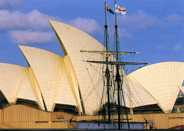 Sydney Opera House with masts of Bounty – 1992