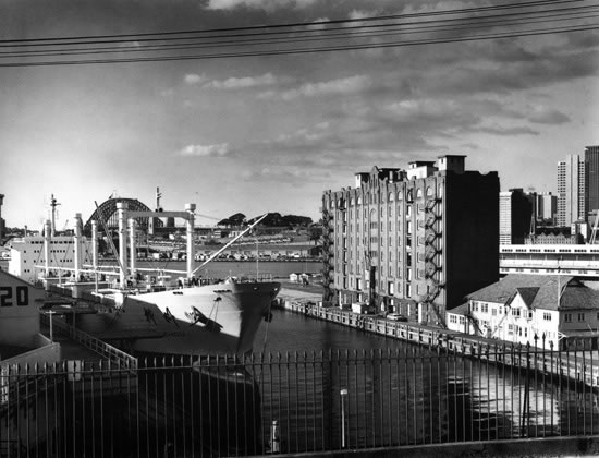Pyrmont docks with Naval Stores building – 1978