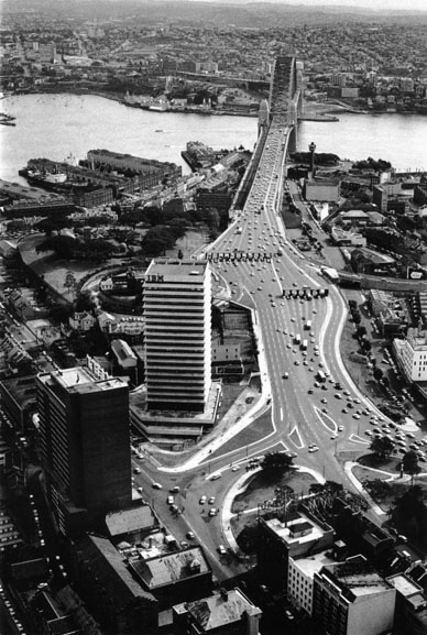 Southern approach to Harbour Bridge – 1964
