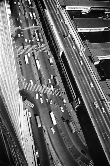 Cahill Expressway and Circular Quay traffic – 1963