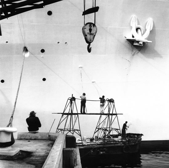 Ship painters Circular Quay – 1961