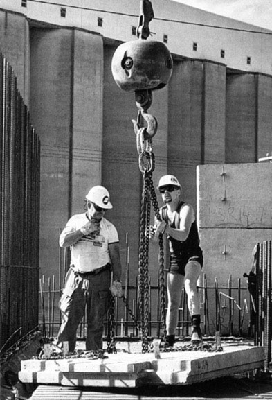 Merv Francis, Scott Wyatt and Mario Perkovic adjust chains for lift of precast concrete panel – c.1993