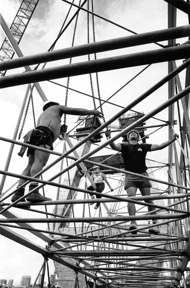 Placing hooks for slinging of Kingshore towers ready for erection – c.1993