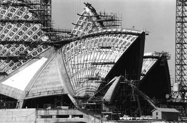 Sydney Opera House construction 2 – 1965