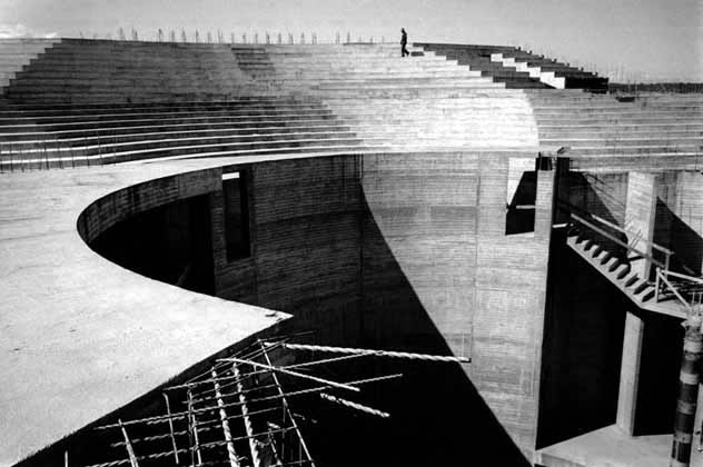 Sydney Opera House on completion of podium 1 – 1962