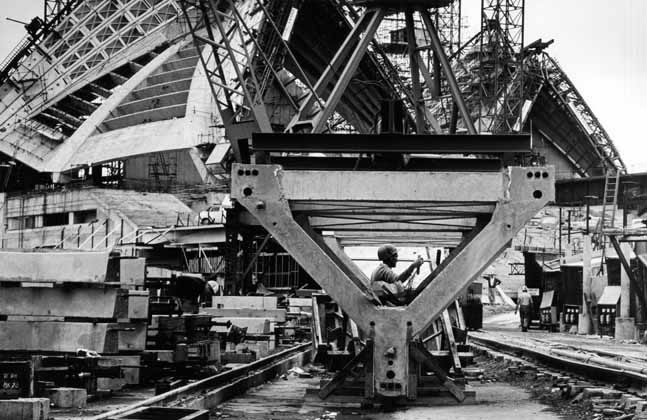 Sydney Opera House construction 1 – 1965