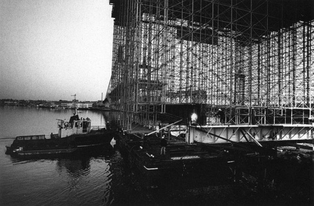 Kingshore scaffolding ready to be moved by barge to eastern side of tower – c.1994