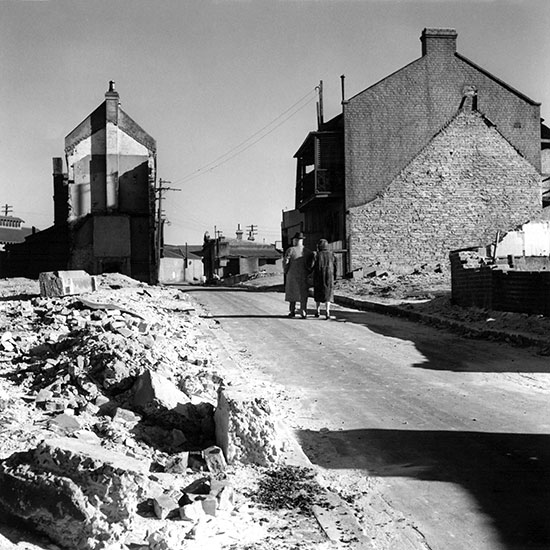 Elderly couple, Surry Hills slums – c.1948