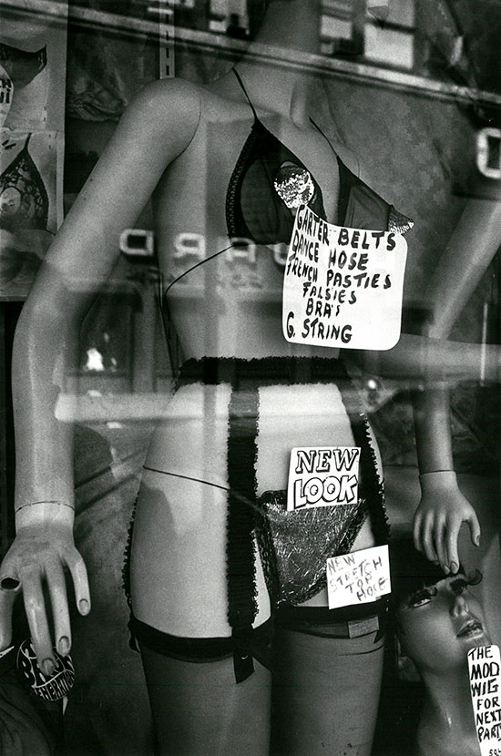 New York shop window, 2 – c.1974