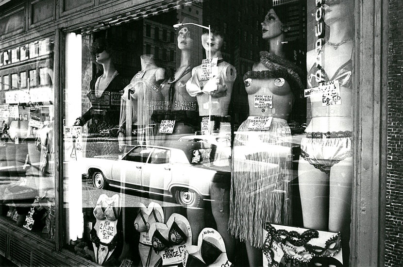 New York shop window – c.1974