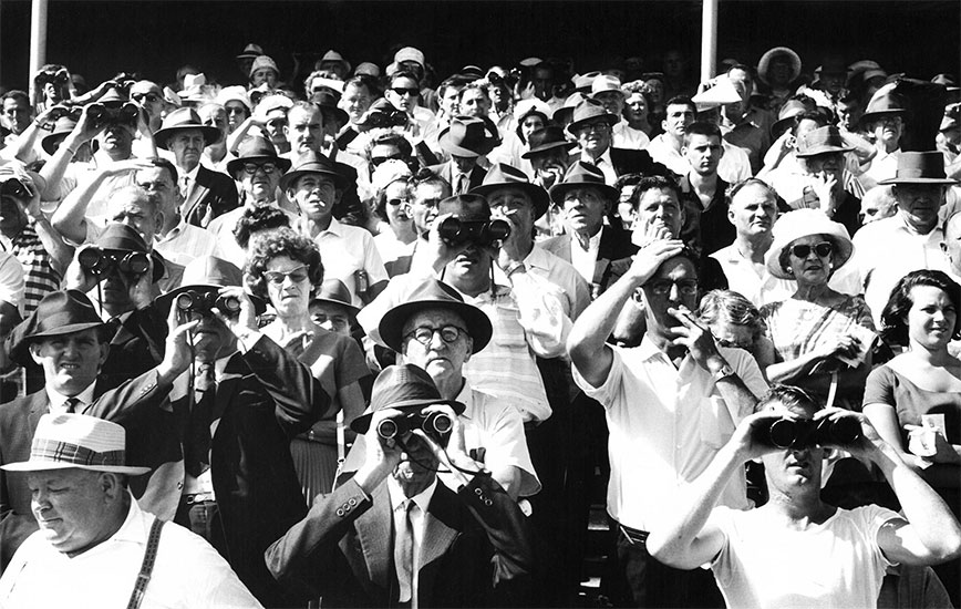 Sydney horse race crowd – 1964