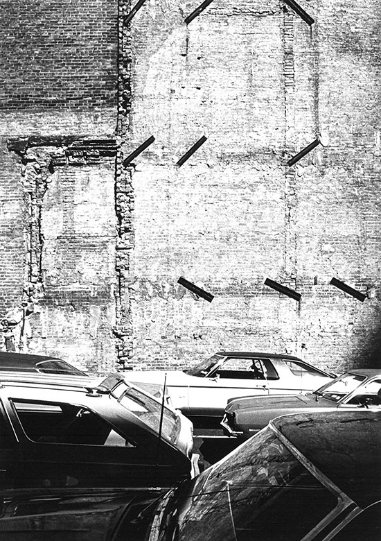 Cars and brick wall, New York – c.1974